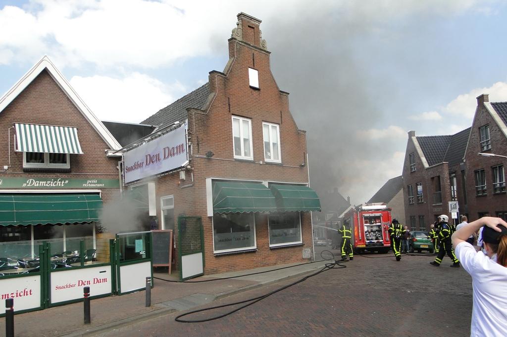 wo ongeval en brand 22-4-2014 061