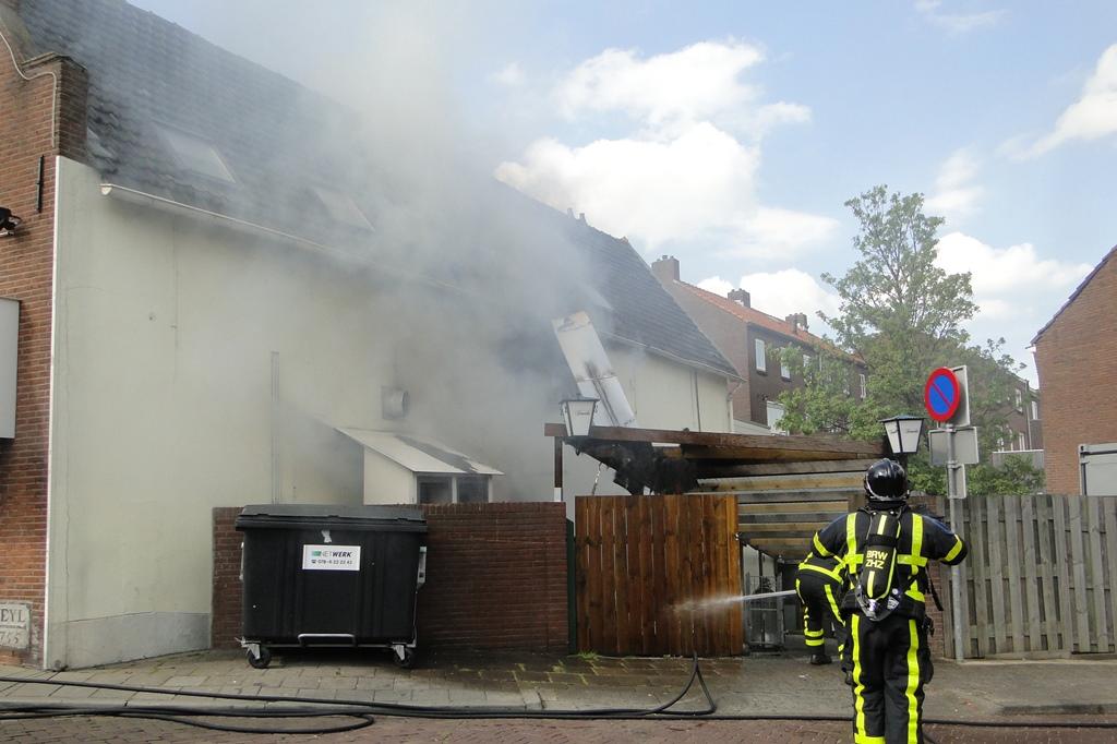 wo ongeval en brand 22-4-2014 062