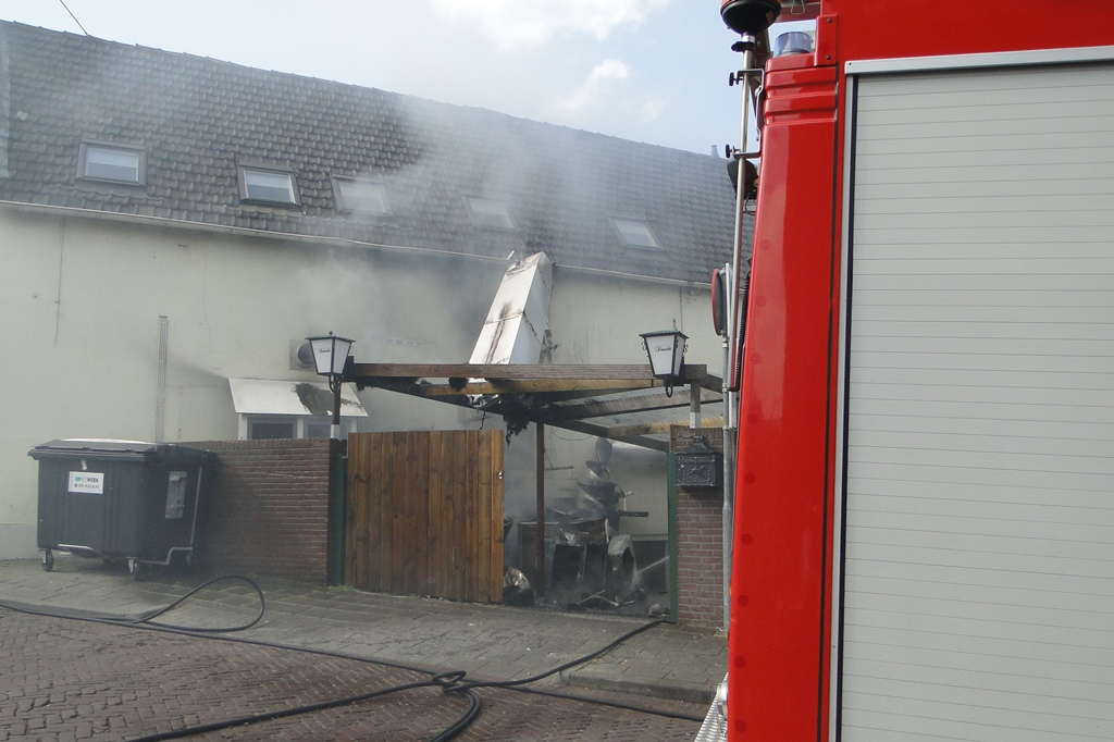 wo ongeval en brand 22-4-2014 063