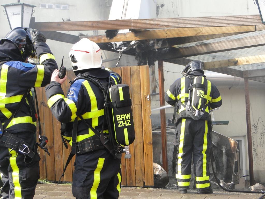 wo ongeval en brand 22-4-2014 064