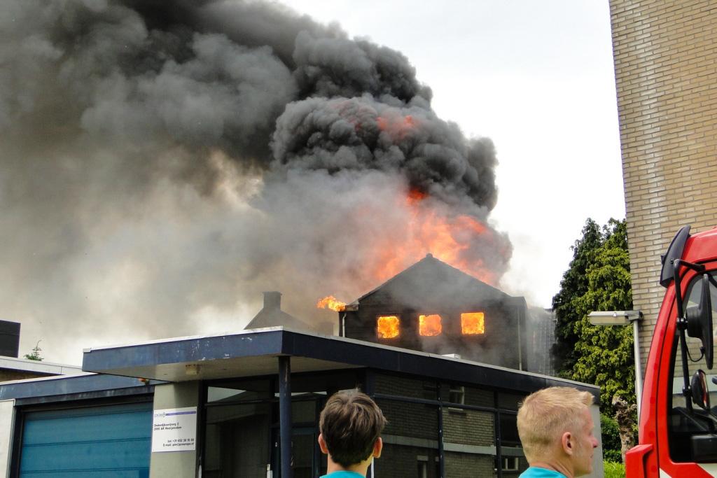 Heerjansdam brand 26-5-2014 008
