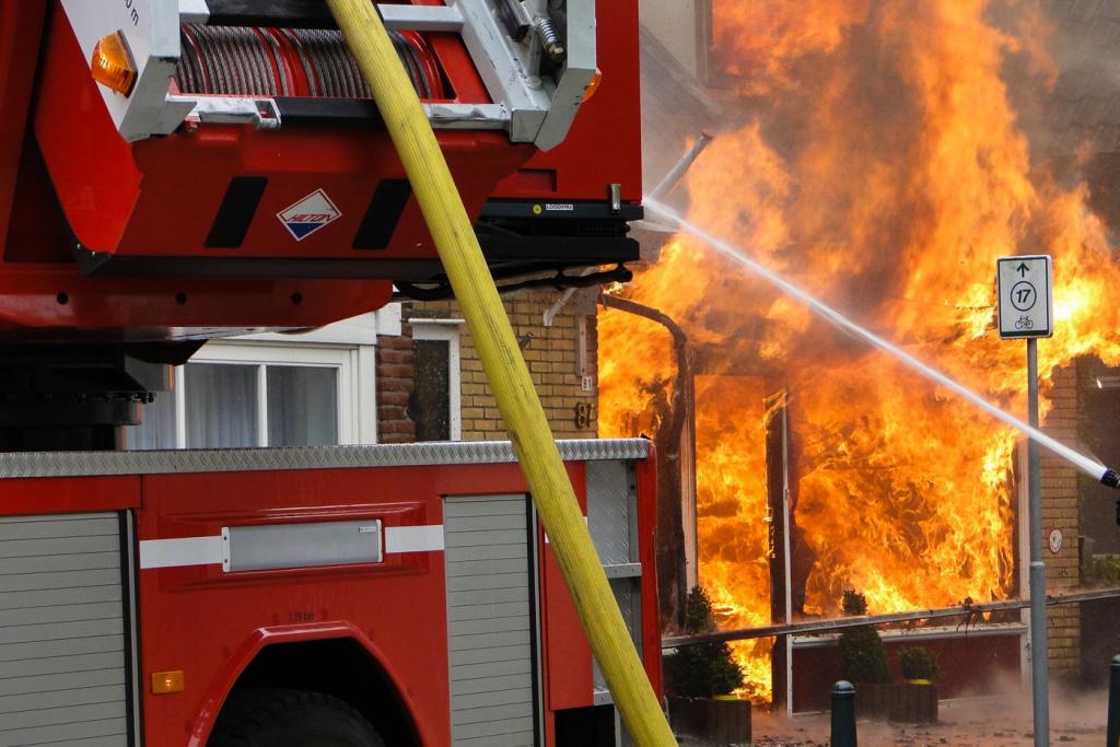 Heerjansdam brand 26-5-2014 023