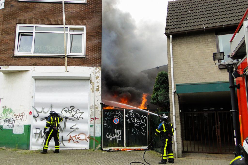 Markettenweg brand 14-6-2014 019