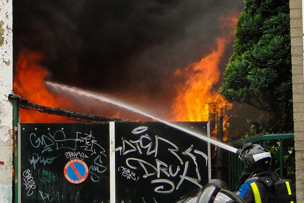 Markettenweg brand 14-6-2014 020klein
