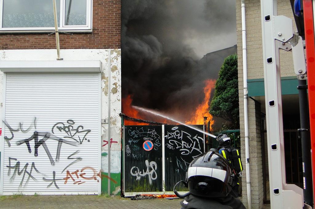 Markettenweg brand 14-6-2014 021