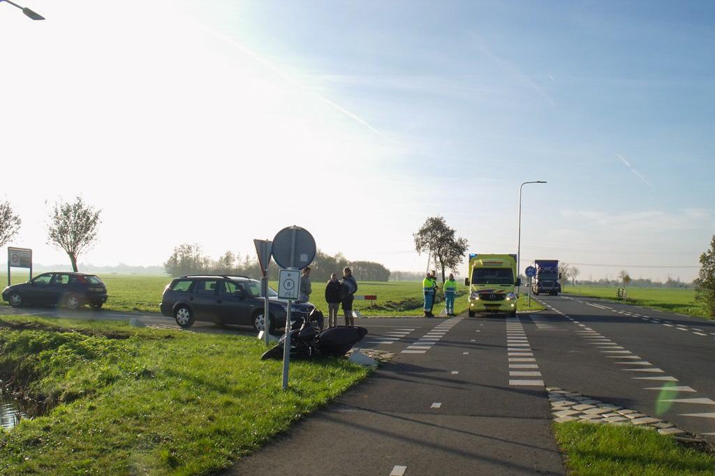 Aanrijding scooter vs auto Zijdeweg-Geerweg Bleskensgraaf (2)