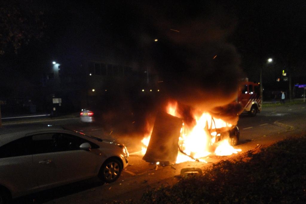 Merwedestraat autobrand 20-11-2014 001