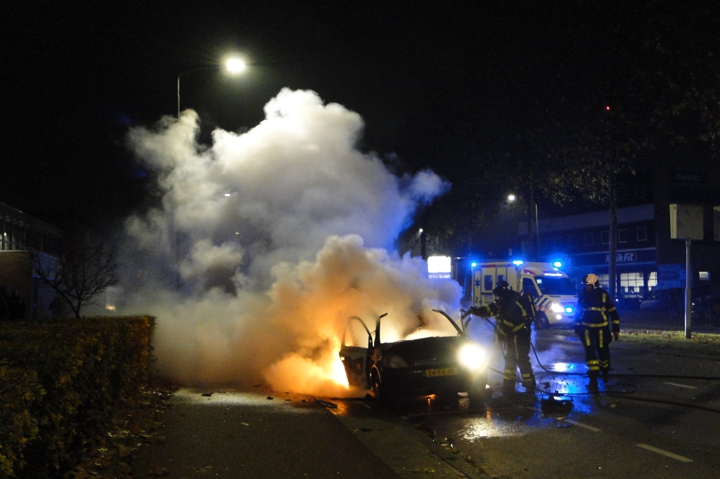 Merwedestraat autobrand 20-11-2014 010