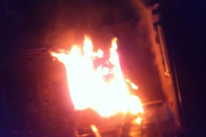 brand-blokweersingel